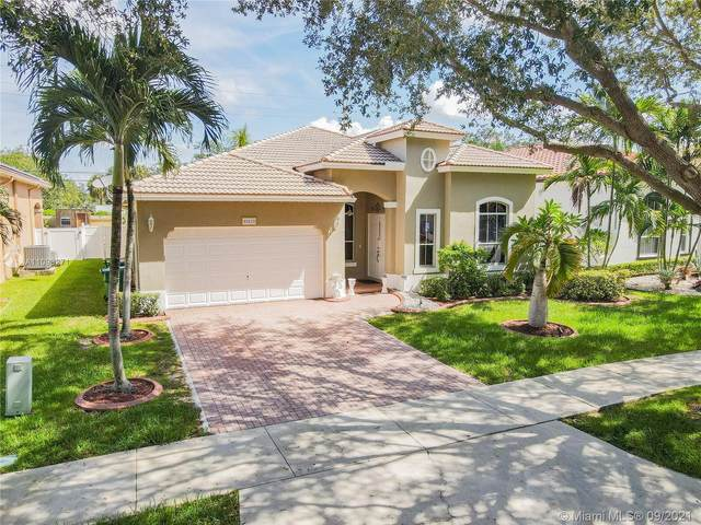 11951 SW 47th St, Cooper City, FL 33330 (MLS #A11093271) :: The Rose Harris Group