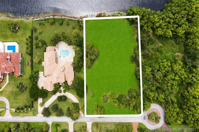 9250 NW 70th Ct, Parkland, FL 33067 (MLS #A11093549) :: Onepath Realty - The Luis Andrew Group