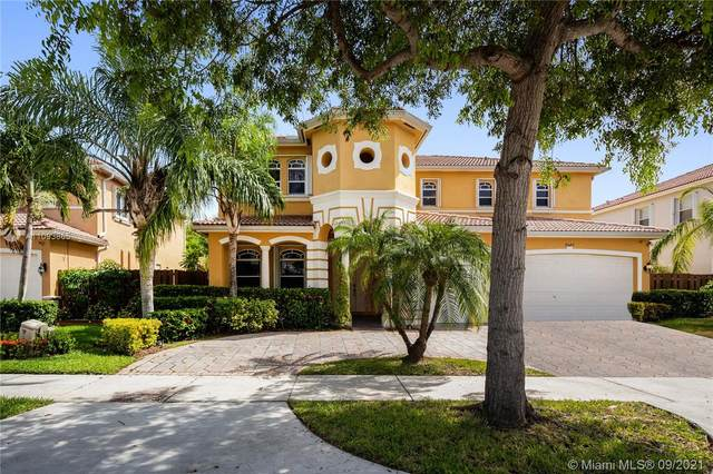 8840 SW 204th St, Cutler Bay, FL 33189 (MLS #A11093865) :: The Pearl Realty Group