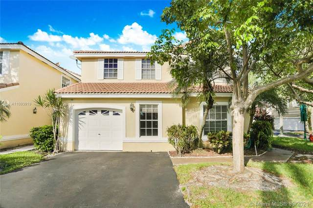 973 Azure Ln, Weston, FL 33326 (MLS #A11093919) :: Green Realty Properties