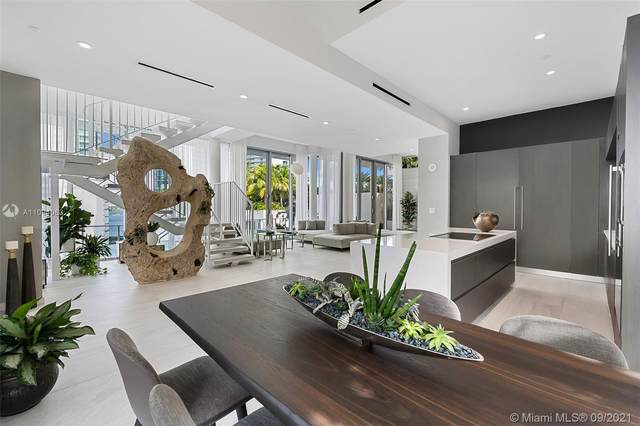 851 NE 1st Ave Villa 2, Miami, FL 33132 (MLS #A11094063) :: Berkshire Hathaway HomeServices EWM Realty