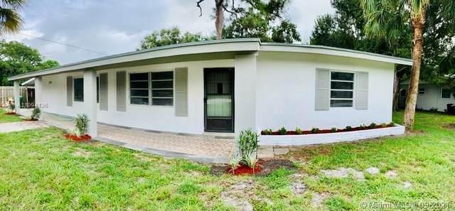 2111 Donald St, Fort Pierce, FL 34946 (MLS #A11094136) :: Jo-Ann Forster Team
