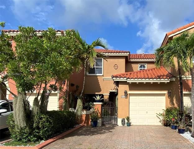 Miami, FL 33185 :: Douglas Elliman