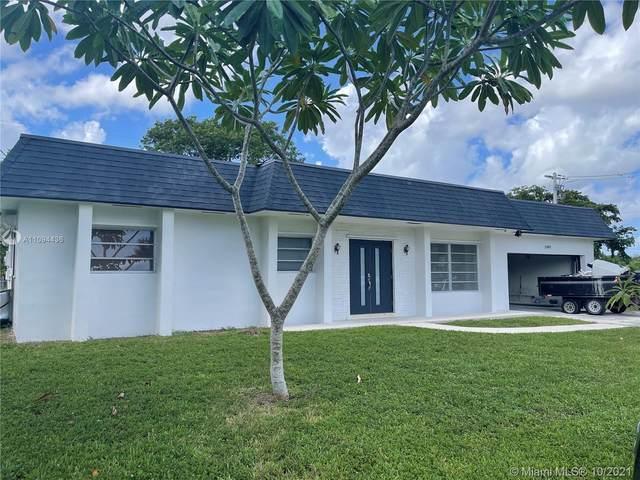 1561 NW 75th Ter, Plantation, FL 33313 (MLS #A11094436) :: Search Broward Real Estate Team