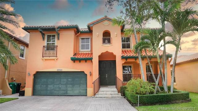 2752 SW 152nd Ct, Miami, FL 33185 (MLS #A11094975) :: Jo-Ann Forster Team