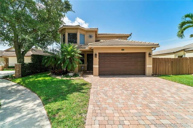 3140 W Quayside Dr, Cooper City, FL 33026 (MLS #A11094982) :: KBiscayne Realty