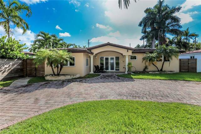 911 S 13th Ave, Hollywood, FL 33019 (MLS #A11095008) :: The Rose Harris Group