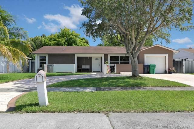 11020 SW 161st Ter, Miami, FL 33157 (MLS #A11095009) :: Douglas Elliman