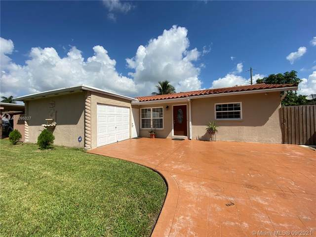 7711 NW 39th St, Davie, FL 33024 (MLS #A11095027) :: Equity Realty