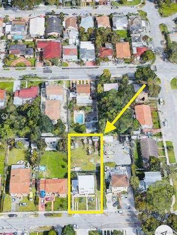 3021 NW 16th St, Miami, FL 33125 (MLS #A11095108) :: The Teri Arbogast Team at Keller Williams Partners SW