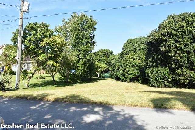 3160 SW 118th Ter, Davie, FL 33330 (MLS #A11095165) :: Green Realty Properties
