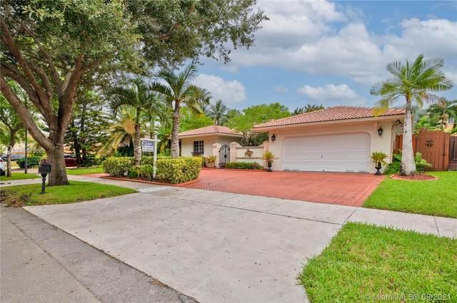 7819 NW 166th Ter, Miami Lakes, FL 33016 (MLS #A11095663) :: Douglas Elliman