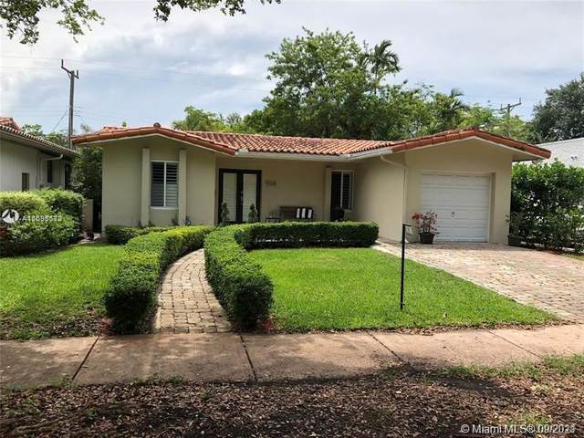 914 Pizarro St, Coral Gables, FL 33134 (MLS #A11095672) :: CENTURY 21 World Connection
