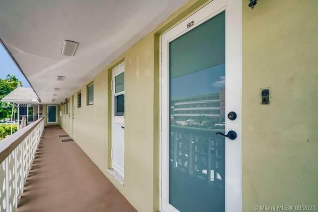 960 Crystal Lake Dr #206, Pompano Beach, FL 33064 (MLS #A11095688) :: Re/Max PowerPro Realty