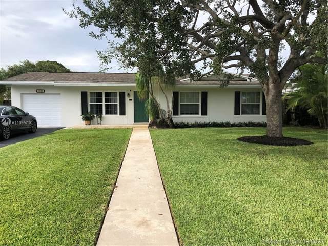 9323 SW 182nd St, Palmetto Bay, FL 33157 (MLS #A11095710) :: Douglas Elliman
