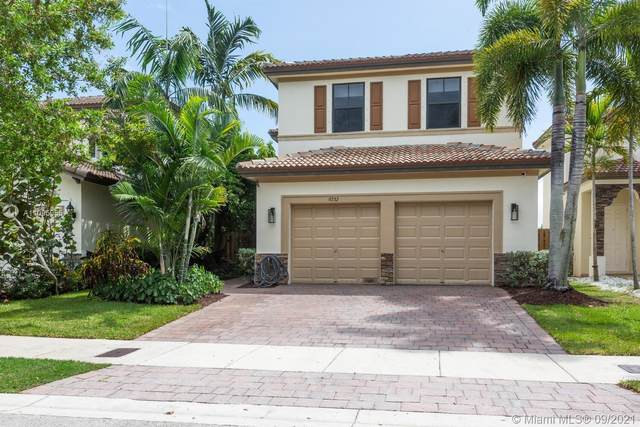 9232 SW 227th Ln, Cutler Bay, FL 33190 (MLS #A11095955) :: The Pearl Realty Group