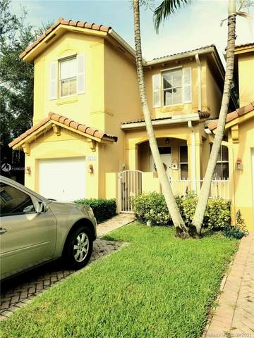 6211 SW 164th Path, Miami, FL 33193 (MLS #A11096335) :: The Rose Harris Group