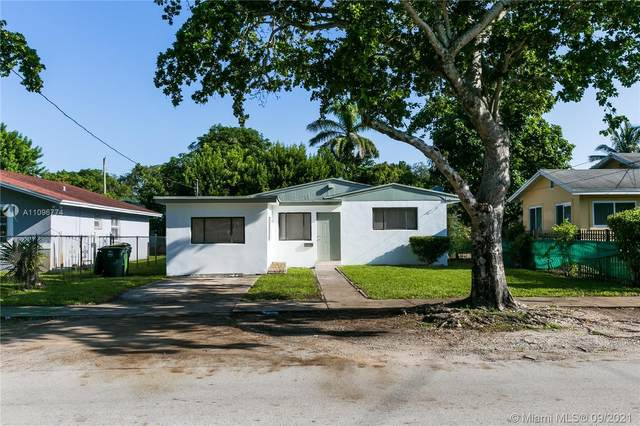 555 NE 131st St, North Miami, FL 33161 (MLS #A11096774) :: Douglas Elliman