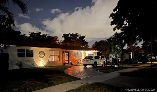 14440 Harris Pl, Miami Lakes, FL 33014 (MLS #A11096838) :: Douglas Elliman