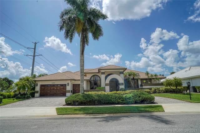 10515 Stonebridge Blvd, Boca Raton, FL 33498 (MLS #A11096846) :: Jo-Ann Forster Team