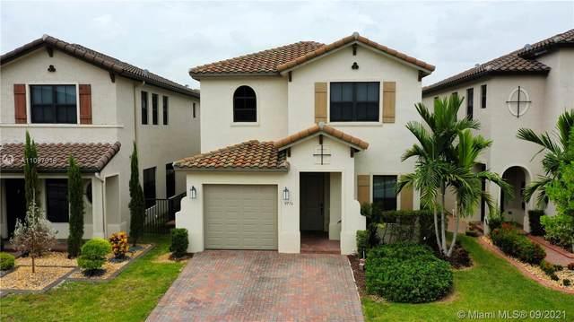 9776 W 34th Ave, Hialeah, FL 33018 (MLS #A11097018) :: All Florida Home Team