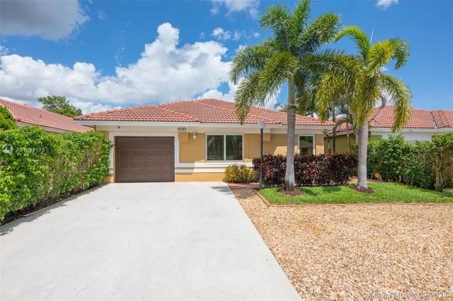5409 NW 184th St, Miami Gardens, FL 33055 (MLS #A11097175) :: All Florida Home Team