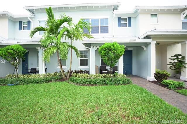5030 Eucalyptus Dr #3, Hollywood, FL 33021 (MLS #A11097220) :: All Florida Home Team