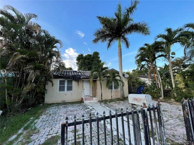 2231 NW 86th St, Miami, FL 33147 (MLS #A11097413) :: CENTURY 21 World Connection