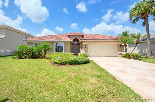 6448 Sand Hills Circle, Lake Worth, FL 33463 (MLS #A11097637) :: KBiscayne Realty