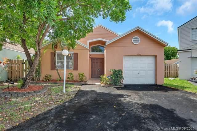 10012 SW 223rd Ln, Cutler Bay, FL 33190 (MLS #A11097864) :: Douglas Elliman