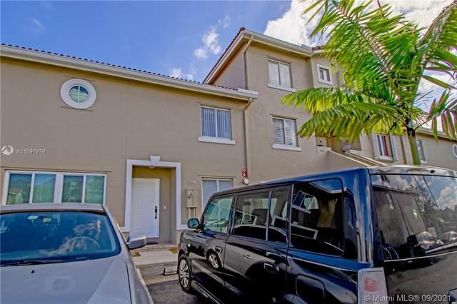 184 Riviera Cir 32-5, Weston, FL 33326 (MLS #A11097976) :: KBiscayne Realty