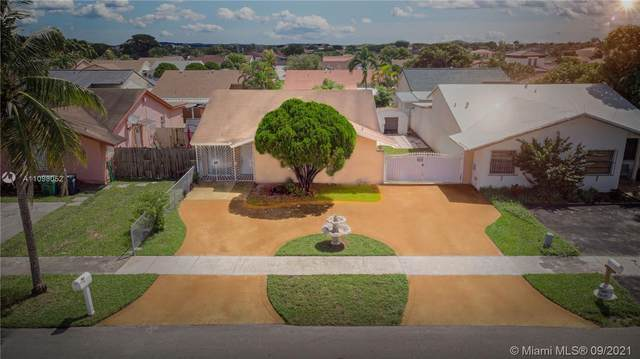 1643 SW 138th Ave, Miami, FL 33175 (MLS #A11098052) :: Castelli Real Estate Services