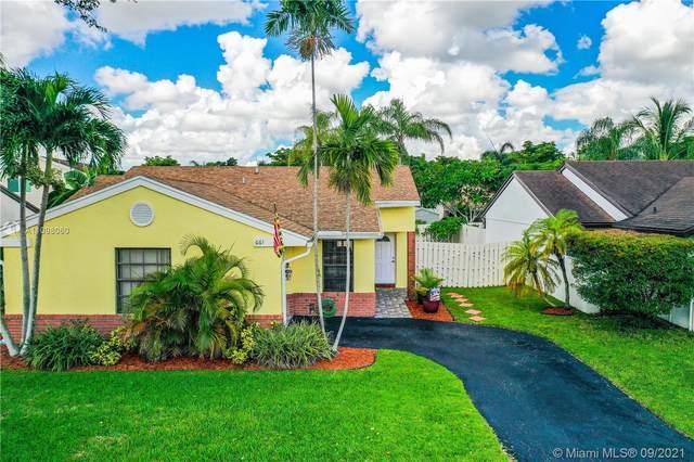 661 Shiloh Ter, Davie, FL 33325 (MLS #A11098060) :: Douglas Elliman