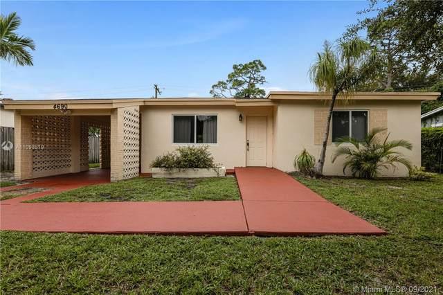 4690 SW 25th Ave, Dania Beach, FL 33312 (MLS #A11098519) :: Douglas Elliman