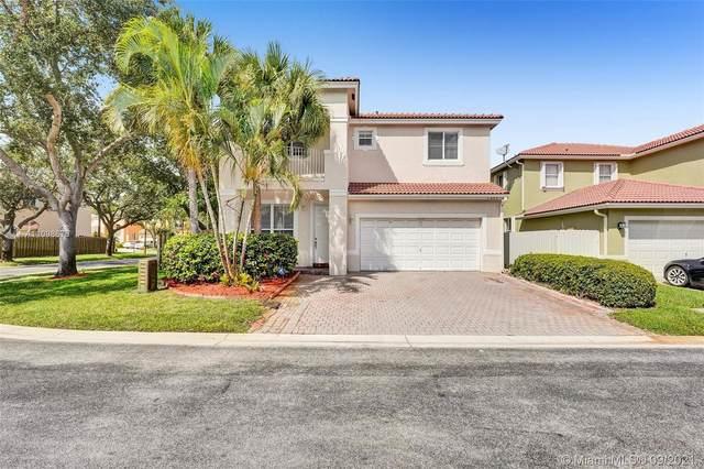 7699 NW 19th St, Pembroke Pines, FL 33024 (MLS #A11098676) :: Berkshire Hathaway HomeServices EWM Realty