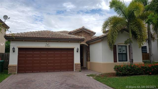 23005 SW 105th Ct, Cutler Bay, FL 33190 (MLS #A11098693) :: The Pearl Realty Group