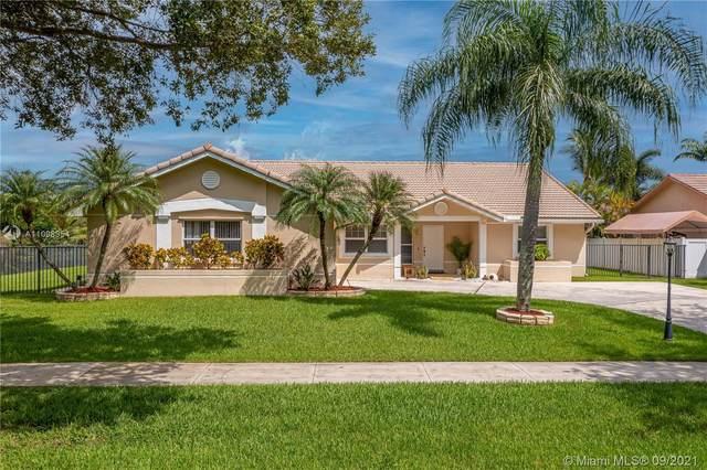 15661 Huntridge Rd, Davie, FL 33331 (MLS #A11098954) :: Castelli Real Estate Services