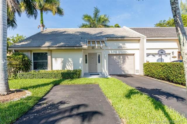 10691 La Placida Dr, Coral Springs, FL 33065 (MLS #A11099022) :: Berkshire Hathaway HomeServices EWM Realty