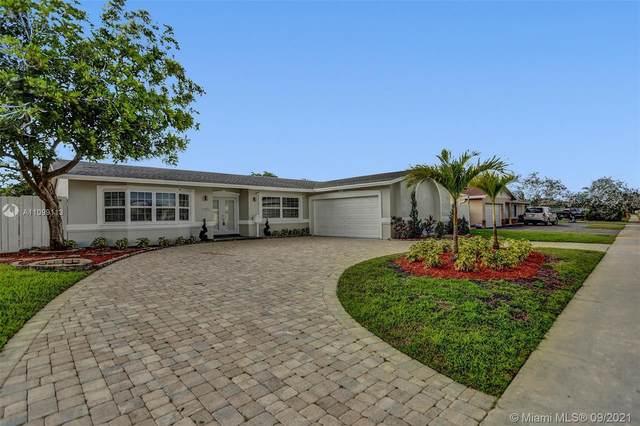 1721 SW 55th Ave, Plantation, FL 33317 (MLS #A11099113) :: Search Broward Real Estate Team