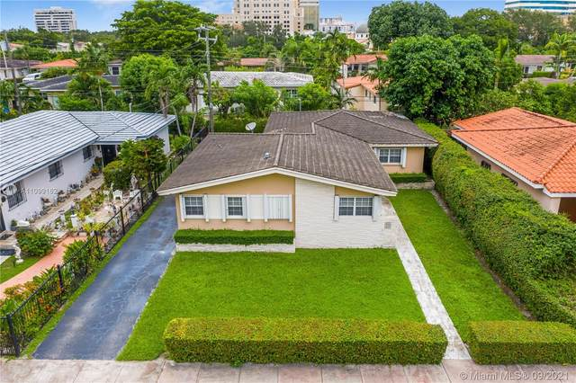 331 Santander Ave, Coral Gables, FL 33134 (MLS #A11099162) :: The Rose Harris Group