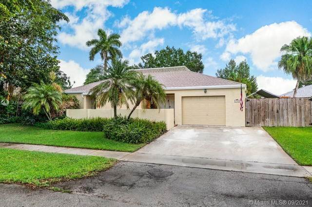 4980 SW 94th Ter, Cooper City, FL 33328 (MLS #A11099355) :: United Realty Group