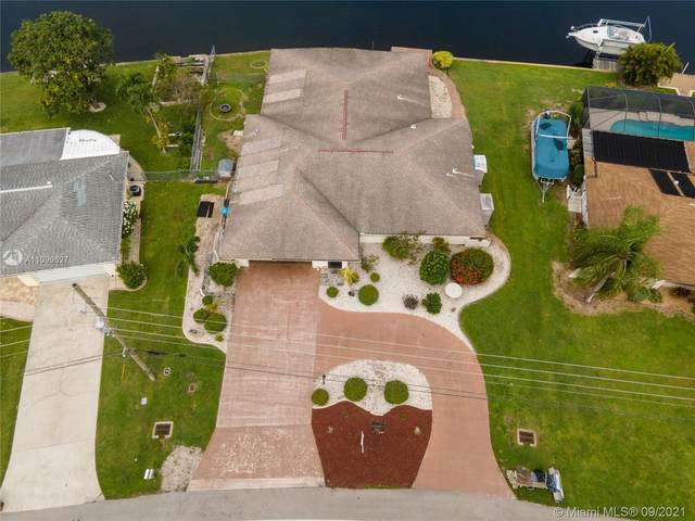 2520 Shelby Pkwy, Other City - In The State Of Florida, FL 33904 (#A11099627) :: Posh Properties