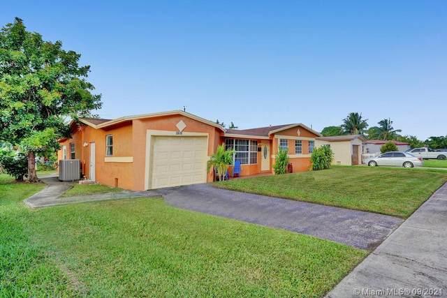 4961 NW 17th Ct, Lauderhill, FL 33313 (MLS #A11099656) :: Re/Max PowerPro Realty