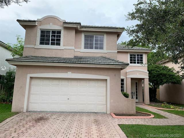 1960 NW 100th Ave, Pembroke Pines, FL 33024 (MLS #A11099807) :: Jo-Ann Forster Team