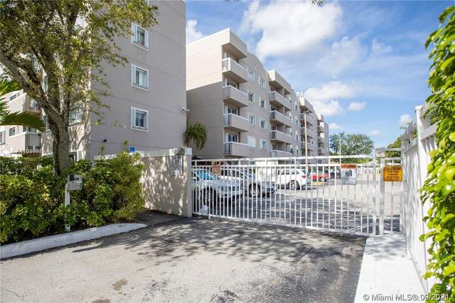 600 NW 32nd Pl #317, Miami, FL 33125 (MLS #A11099945) :: The Riley Smith Group