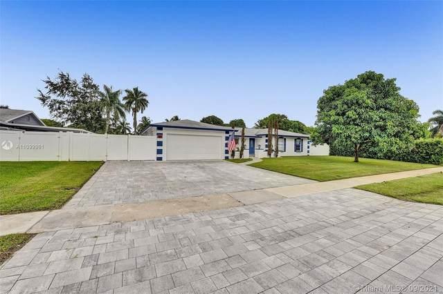 6931 SW 11th St, Plantation, FL 33317 (MLS #A11099961) :: Search Broward Real Estate Team