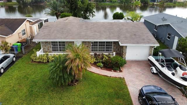 11760 NW 32nd Manor, Sunrise, FL 33323 (MLS #A11099968) :: Rivas Vargas Group