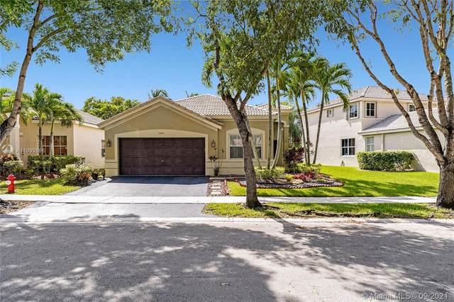 4298 Foxtail Ln, Weston, FL 33331 (MLS #A11099986) :: Search Broward Real Estate Team