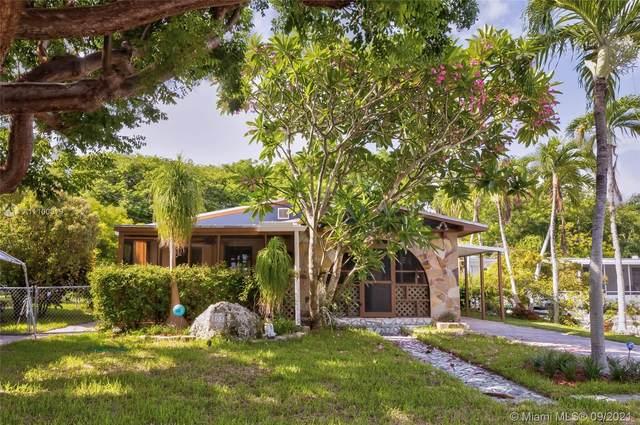 803 Brown St, Key Largo, FL 33037 (MLS #A11100019) :: Douglas Elliman