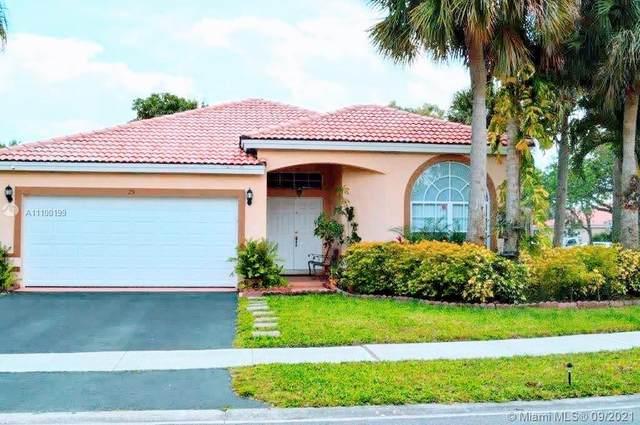 25 Gables Blvd, Weston, FL 33326 (MLS #A11100199) :: KBiscayne Realty